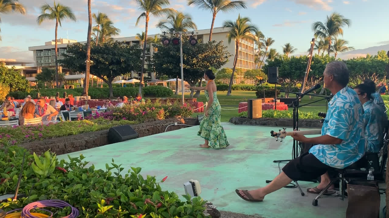 Hula dancing at hilton big island